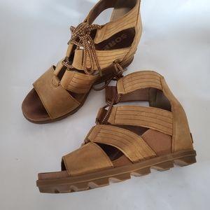 Sorel Joanie II lace camel wedge sandals sz 11